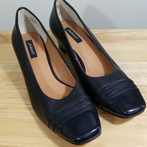Auditions Navy Blue Leather Short Heel, sz 9N/SS